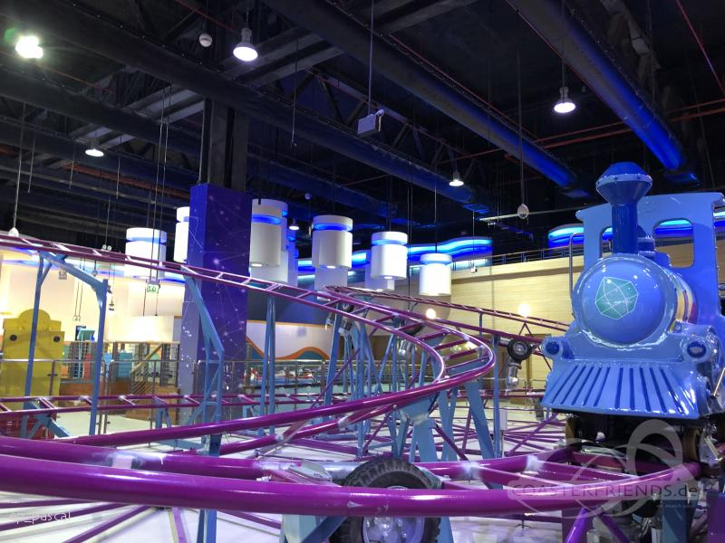 Crystal Mine Train im Park Magic Planet (@ City Centre Mirdif - near north entrance) Impressionen