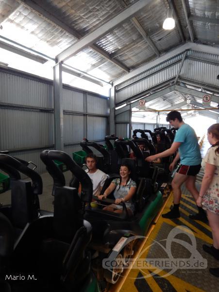 Hot Wheels Sidewinder im Park Dreamworld Impressionen