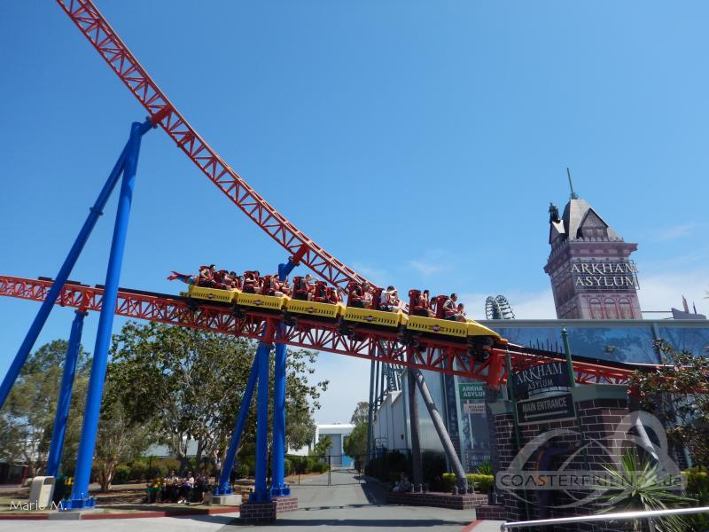 Superman Escape im Park Warner Bros. Movie World Impressionen