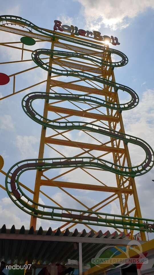 Rollerball im Park Wiener Prater Impressionen