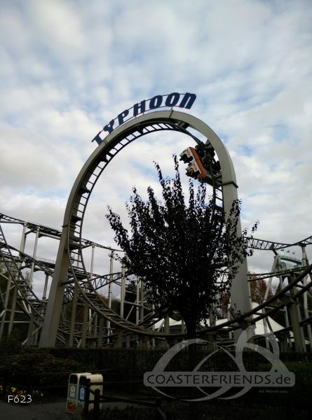 Typhoon im Park Bobbejaanland Impressionen