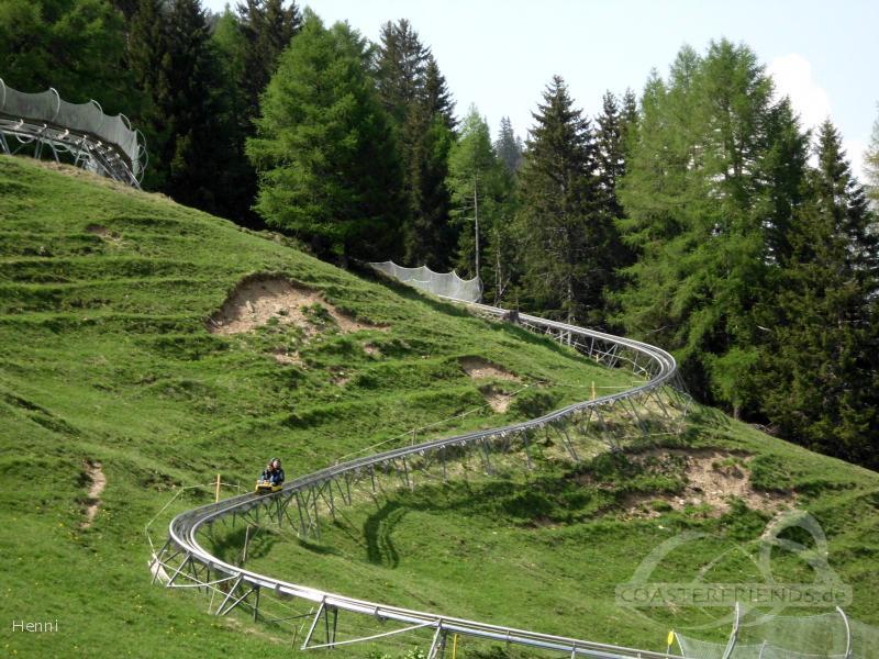 Rodelbahn im Park Pradaschier Impressionen