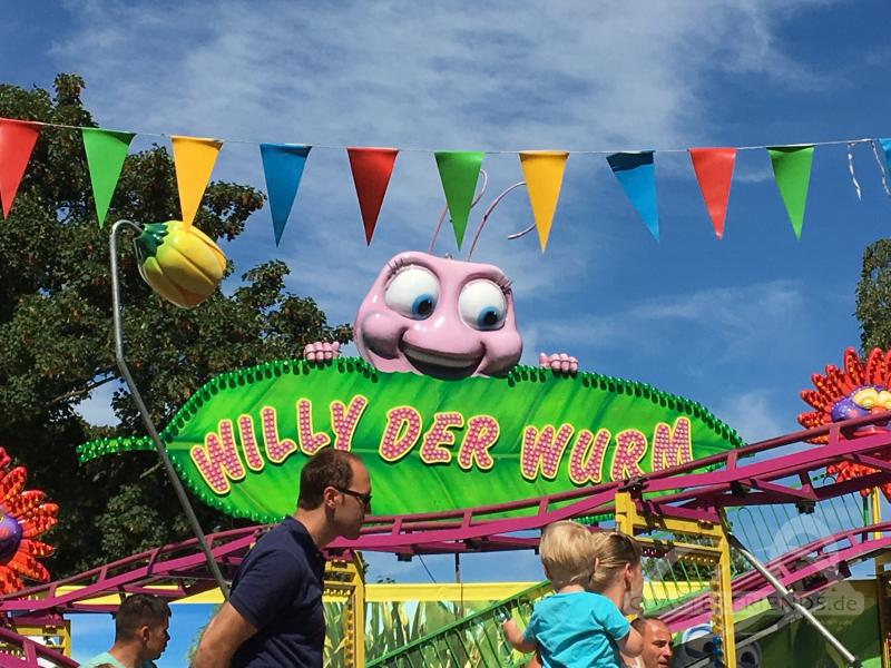 Willy der Wurm - Kiddy Coaster im Park Baumeister Ingo Impressionen