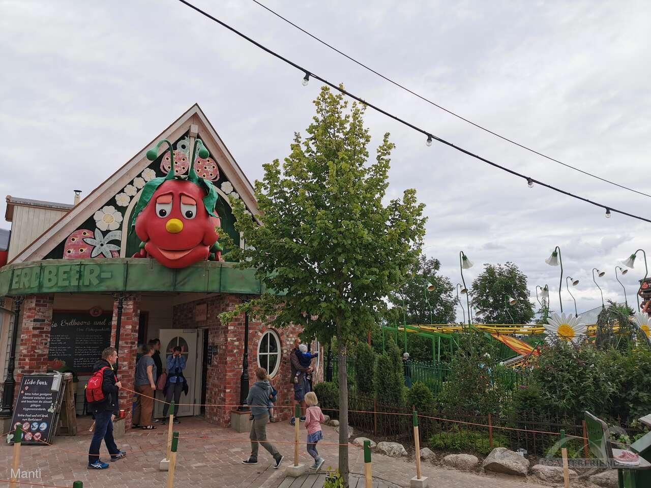 Erdbeer Raupenbahn im Park Karls Erlebnis-Dorf Rövershagen Impressionen