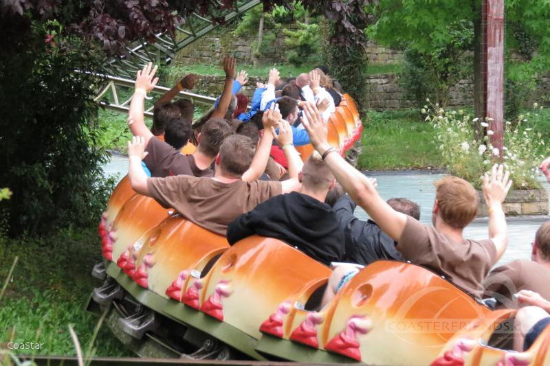 Rasender Tausendfüßler im Park Erlebnispark Tripsdrill Impressionen