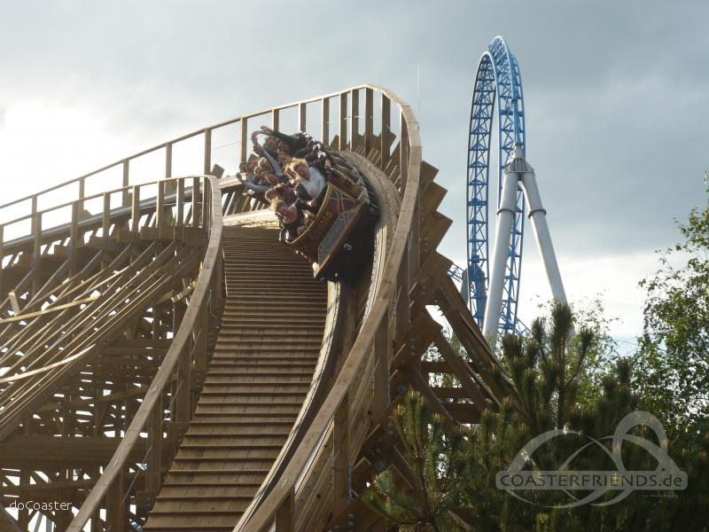 Wodan Timbur Coaster im Park Europa Park Impressionen