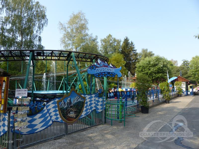 Blauer Enzian im Park Freizeit-Land Geiselwind Impressionen