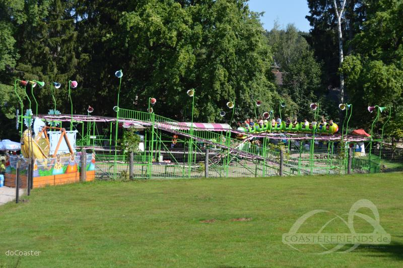 Raupe im Park Freizeitpark Plohn Impressionen