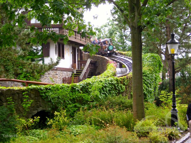 Grottenblitz im Park Heide Park Resort Impressionen