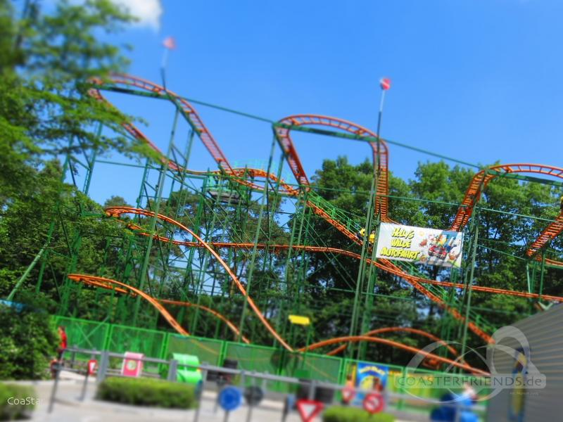 Holly's Wilde Autofahrt im Park Holiday Park Impressionen