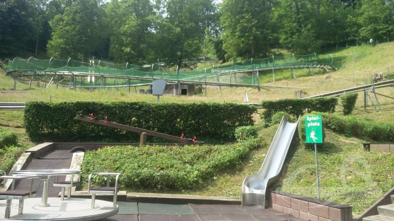 Rodelbahn (Weserberglandbob) im Park Rodelpark Impressionen
