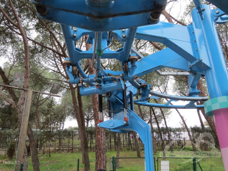 Padrinos Voladores im Park Parque de Atracciones de Madrid Impressionen