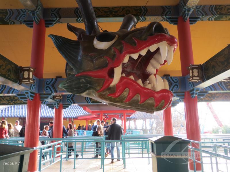 Dragon Khan im Park PortAventura Park Impressionen