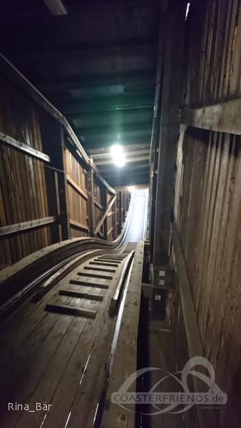 Vuoristorata im Park Linnanmäki Impressionen