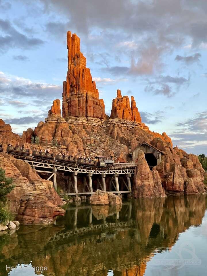 Big Thunder Mountain im Park Disneyland Paris - Disneyland Park Impressionen