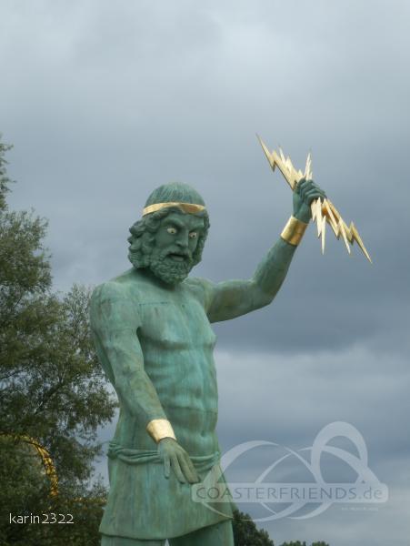 Tonnerre de Zeus im Park Parc Astérix Impressionen