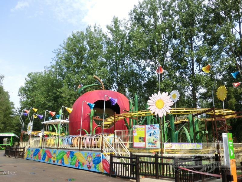 La Pomme (Family Coaster) im Park Parc Saint Paul Impressionen