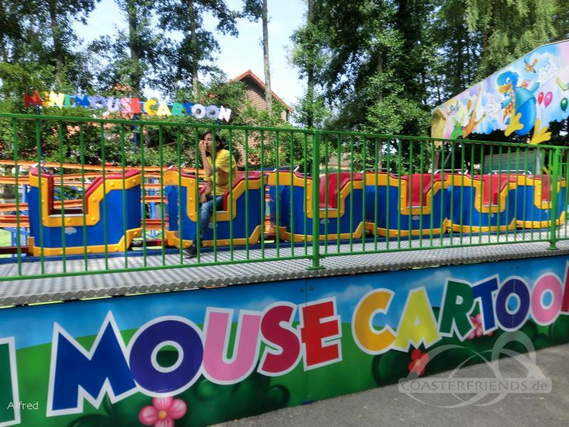 Mini Mouse Cartoon im Park Parc Saint Paul Impressionen