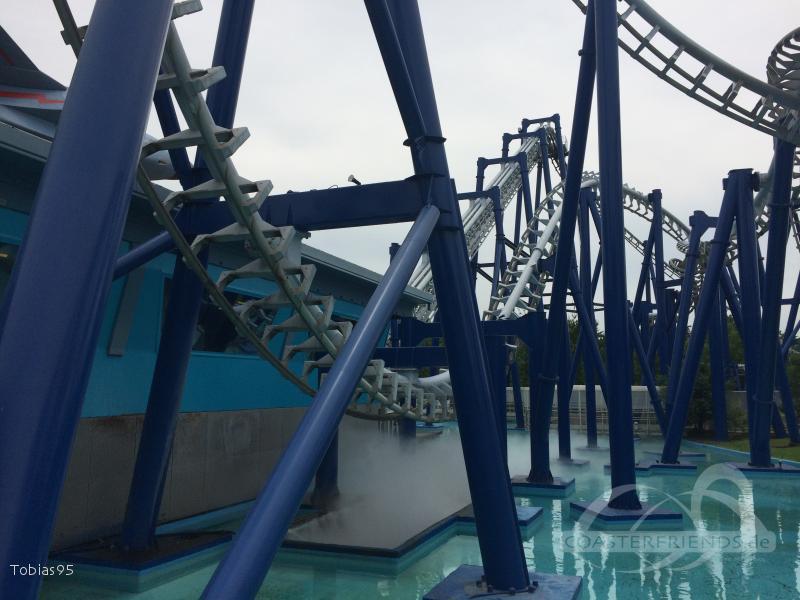 Blue Tornado im Park Gardaland Impressionen