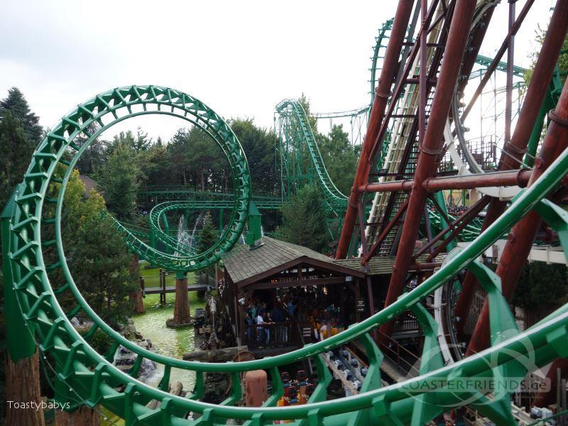 Shaman (Magic Mountain) im Park Gardaland Impressionen