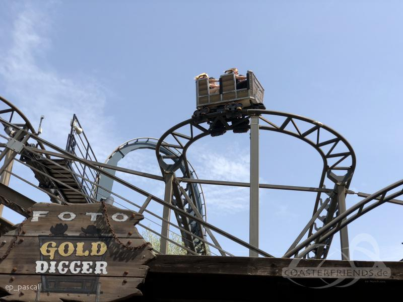 Gold Digger (Pakal) im Park Mirabilandia Impressionen