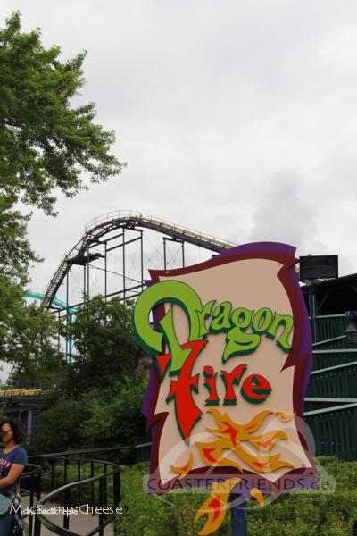 Dragon Fire im Park Canada's Wonderland Impressionen