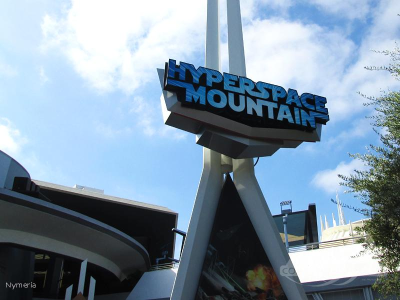 Space Mountain im Park Disneyland Impressionen