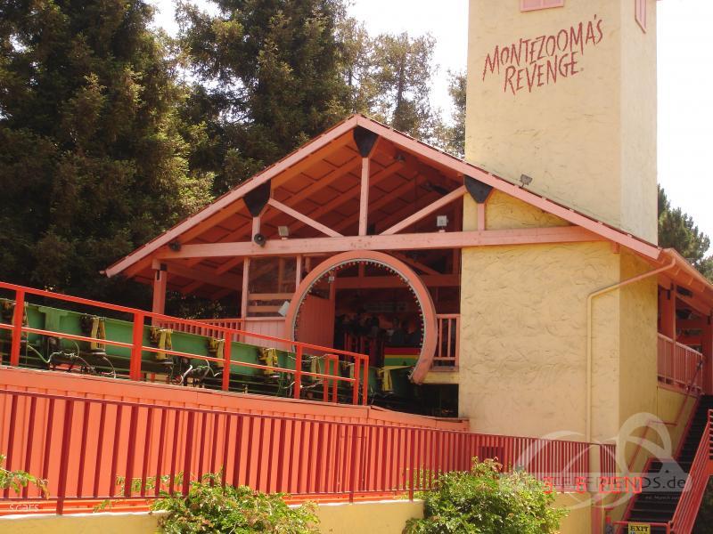 Montezooma's Revenge im Park Knott's Berry Farm Impressionen