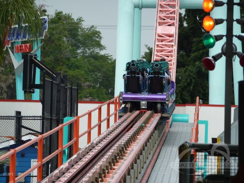 Xcelerator im Park Knott's Berry Farm Impressionen