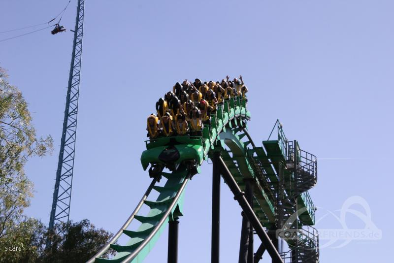 Riddler's Revenge im Park Six Flags Magic Mountain Impressionen