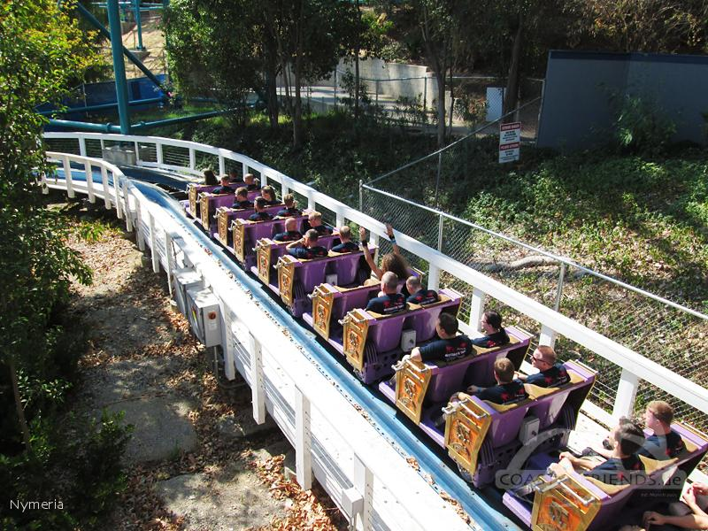 Twisted Colossus im Park Six Flags Magic Mountain Impressionen
