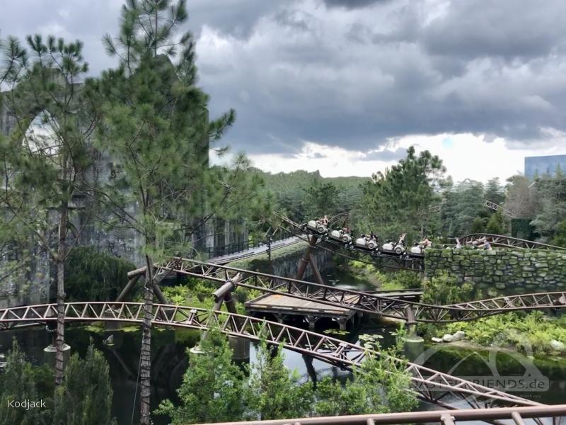 Hagrid's Magical Creature Motorbike Adventure im Park Universal Studios Islands of Adventure Impressionen
