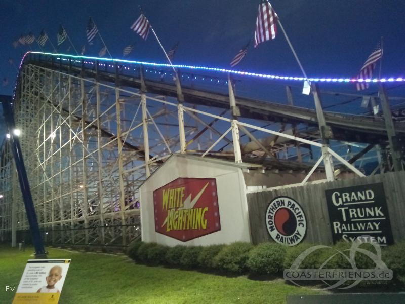 White Lightning im Park Fun Spot America (Orlando) Impressionen