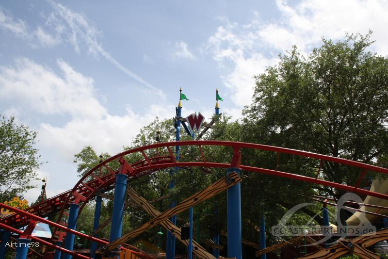 Woody Woodpecker's Nuthouse Coaster im Park Universal Studios Florida Impressionen
