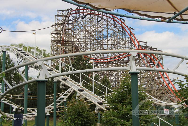 Spacely's Sprocket Rockets im Park Six Flags Great America Impressionen