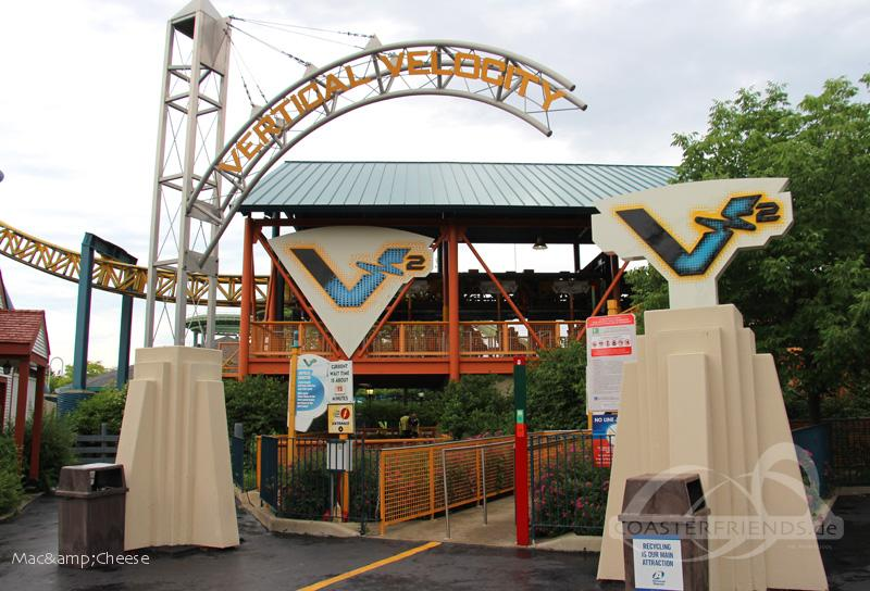 Vertical Velocity im Park Six Flags Great America Impressionen