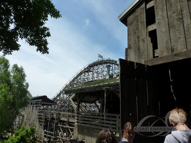 Viper im Park Six Flags Great America Impressionen