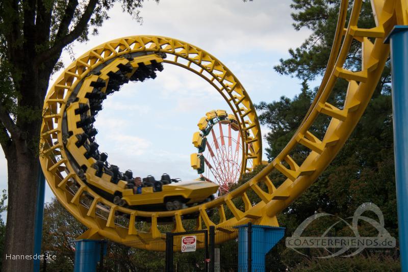 Carolina Cyclone im Park Carowinds Impressionen