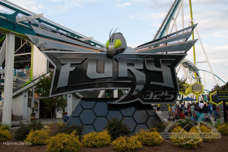 Fury 325 im Park Carowinds Impressionen