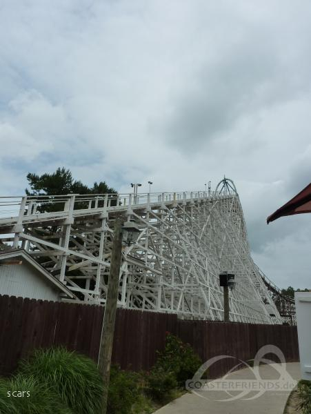 Rolling Thunder (Left) im Park Six Flags Great Adventure Impressionen