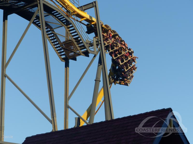 Batman The Ride im Park Six Flags Great Adventure Impressionen