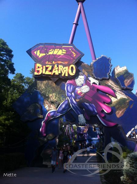Bizarro im Park Six Flags Great Adventure Impressionen