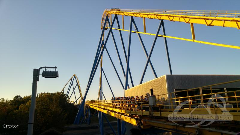Nitro im Park Six Flags Great Adventure Impressionen
