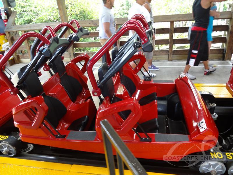 Sidewinder im Park Hersheypark Impressionen
