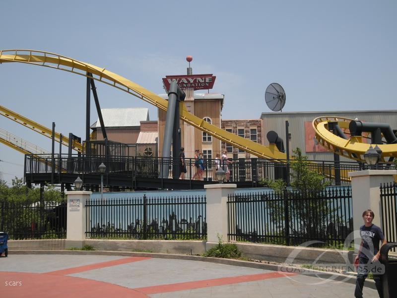 Batman The Ride im Park Six Flags Over Texas Impressionen