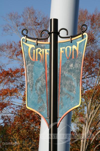 Griffon im Park Busch Gardens Williamsburg Impressionen