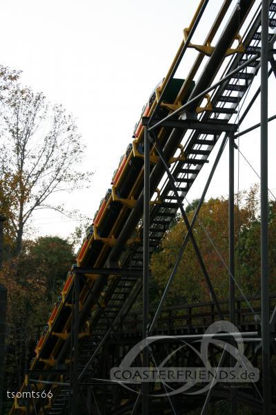 Loch Ness Monster im Park Busch Gardens Williamsburg Impressionen