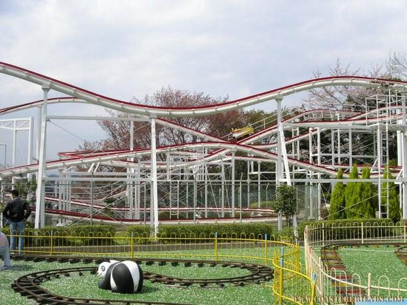 Asien - https://coasterfriends.de/joomla//images/pcp_parkdetails/asien/o1221_himeji_tegarayama_amusement_park/content3.jpg