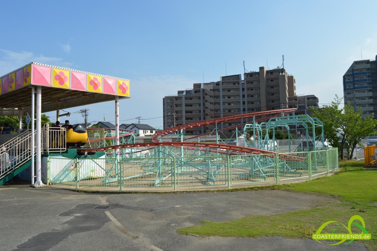 Asien - https://coasterfriends.de/joomla//images/pcp_parkdetails/asien/o1424_kashiikaen_yuenchi/content2.jpg