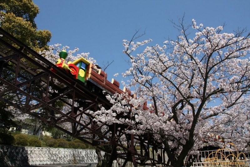 Asien - https://coasterfriends.de/joomla//images/pcp_parkdetails/asien/o1855_misaki_park/content2.jpg